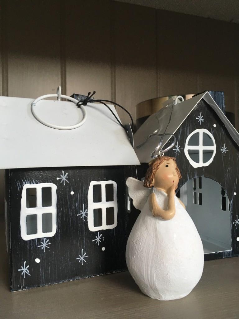 Wunderschönes Häuschen für Teelicht  Engel zum aufhängen